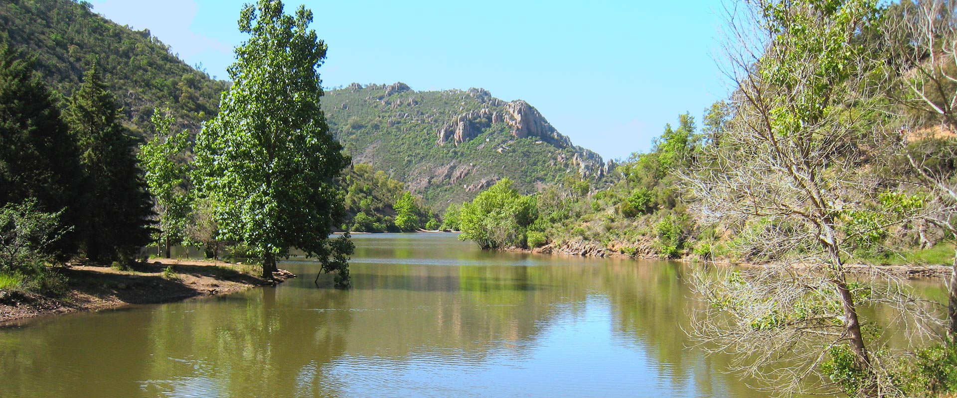 Uitzicht op het meer van Avellan